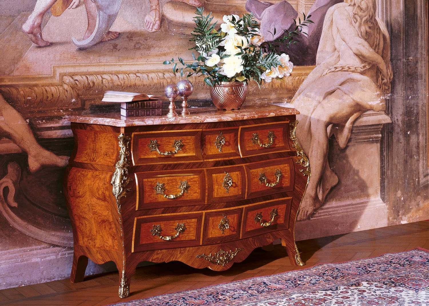 Rosewood bombé commode