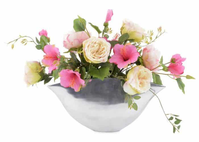 arrangement roses and hibiscus